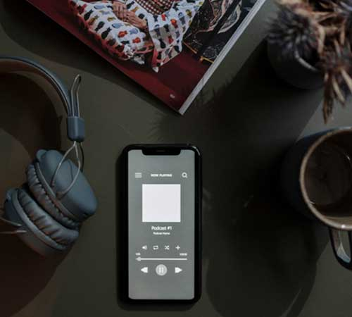 Top 5 Mum Podcasts To Listen To